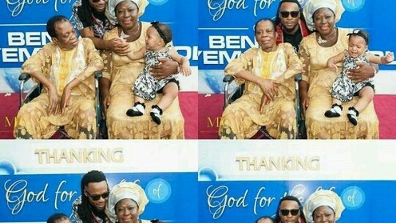 Flavour and parents with daughter