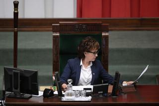 Elżbieta Witek zanosiła się śmiechem w czasie głosowania nad członkami ds. pedofilii. 'Śmiałam się z sytuacji'