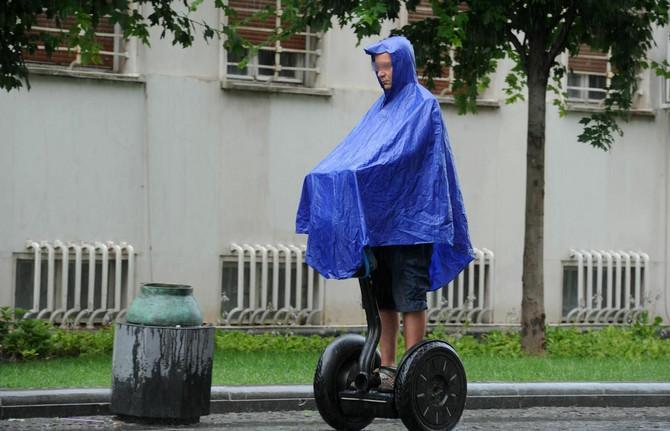Kiša, kiša, ako je kiša, nije lav...