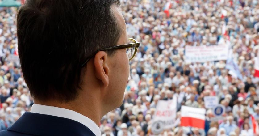 Rządzący poprzez Fundusz Solidarnościowy chcą wypchnąć poza regułę wydatkową nawet 15 mld zł - mówi Business Insider Polska Marek Rozkrut, główny ekonomista EY, jeden z twórców stabilizującej reguły wydatkowej.