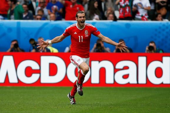 Geret Bejl, Fudbalska reprezentacija Velsa