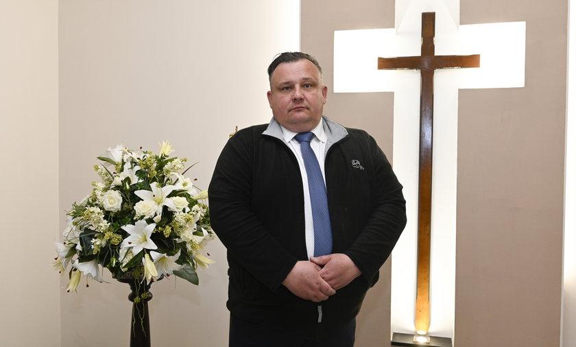 Pan Arkadiusz pracuje w branży pogrzebowej ponad 20 lat
