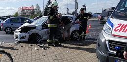 Samochód SOP zderzył się osobówką. Jedna osoba ranna