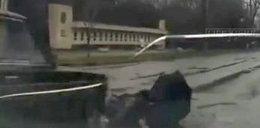 Zginął, bo przebiegał przez ulicę! Wideo +18