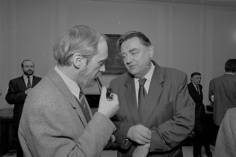 Rok 1992. Premier Jan Olszewski i szef MSW Antoni Macierewicz