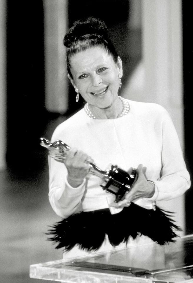 """Ruth Gordon - ceremonia w 1969 roku, Oscar za drugoplanową rolę w """"Dziecku Rosemary"""""""