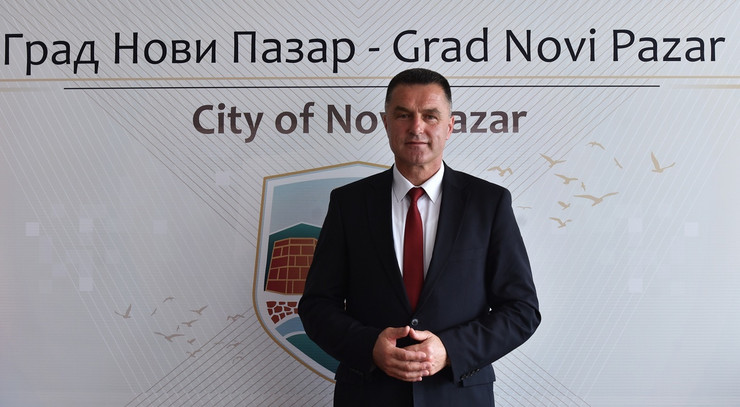 NOVIPAZAR02 Gradonaccelnik Nihat Biševac foto promo