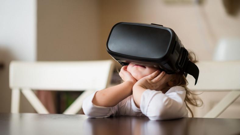 Wirtualna rzeczywistość może zmniejszać ból u dzieci