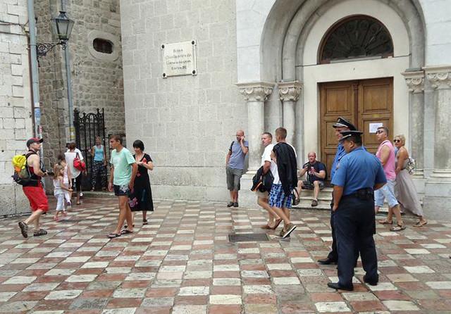 Saradnja sa crnogorskom policijom: Policijska patrola u Kotoru