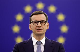 Dwa projekty rezolucji Parlamentu Europejskiego ws. wyroku TK