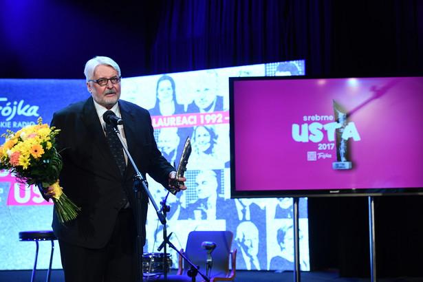 Zdobywca I miejsca, były minister spraw zagranicznych Witold Waszczykowski podczas gali wręczenia nagród w plebiscycie Programu III Polskiego Radia Srebrne Usta.