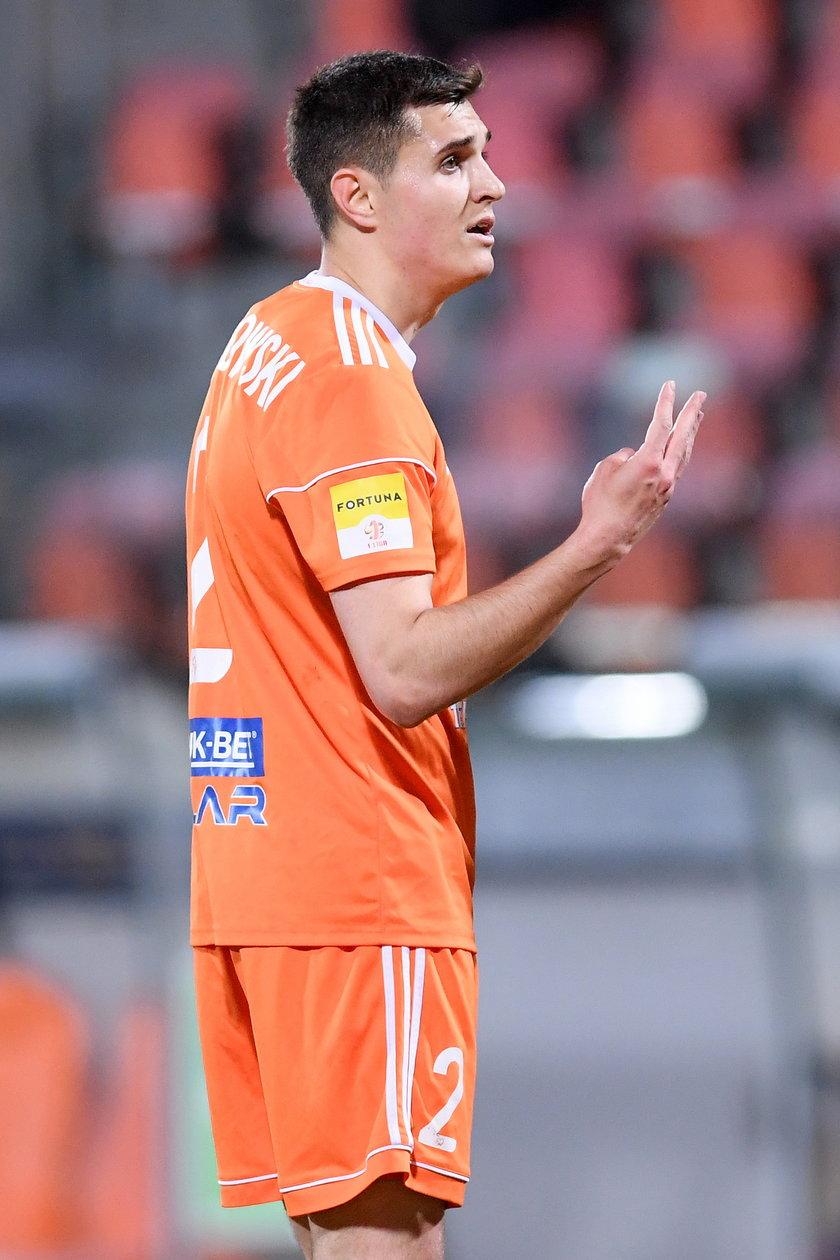Patryk Czarnowski (23 l.) tylko w jednym meczu tego sezonu rozegrał więcej niż kwadrans. Może warto dać mu większą szansę?