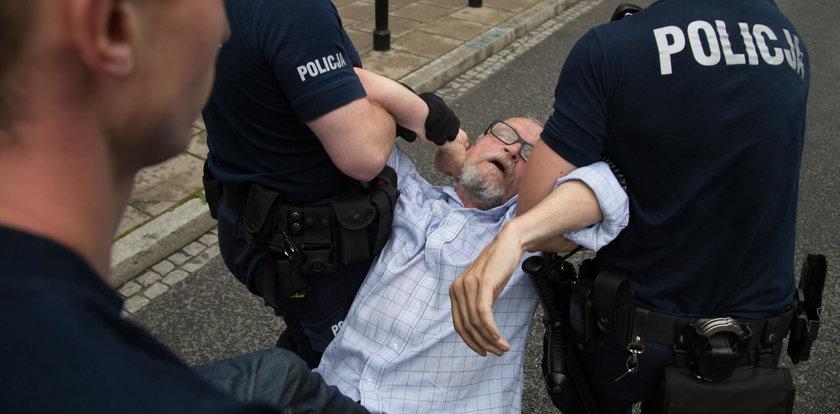 Szokująca akcja policji w trakcie protestów! Wszystko się wydało
