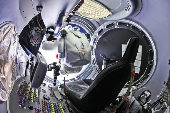 Specijalno odelo za skok iz stratosfere kod Baumgartnera je izazivalo klaustrofobiju