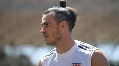 Wales' Bale on the wing to face Switzerland