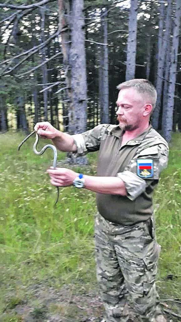 Aleksej Čumakov, major ruske vojske, drži predavanja i vežbe deci na Zlatiboru