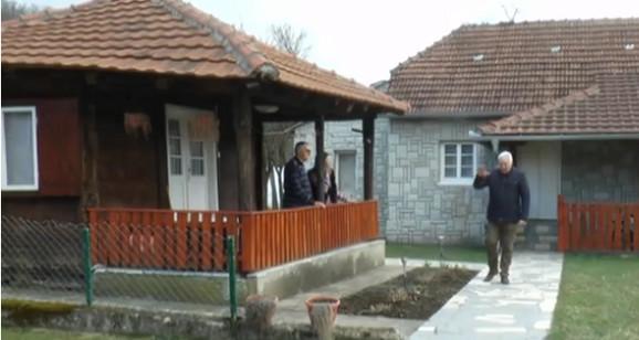 Ovo je kuća u kojoj živi par o kome bruji cela Srbija