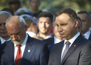 PO: Prezydent zakłamuje historię. Magierowski: To obraża prezydenta i uczestników uroczystości