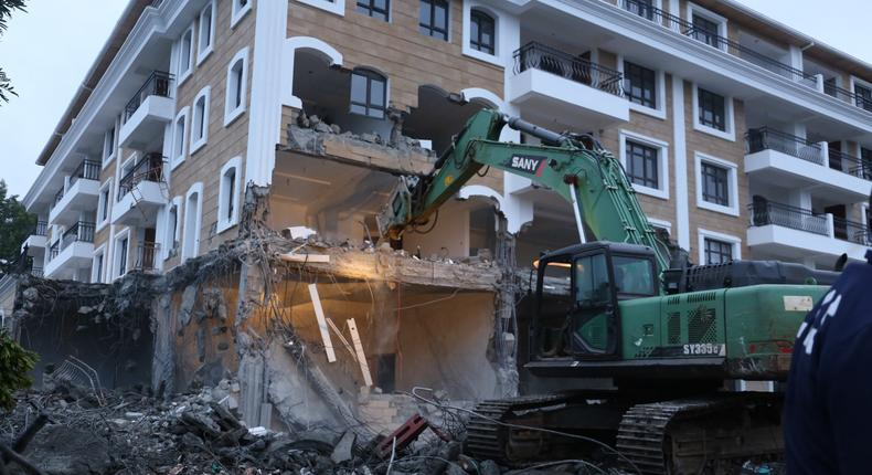 Sany the bulldozer demolishing the Grand Manor hotel in Gigiri