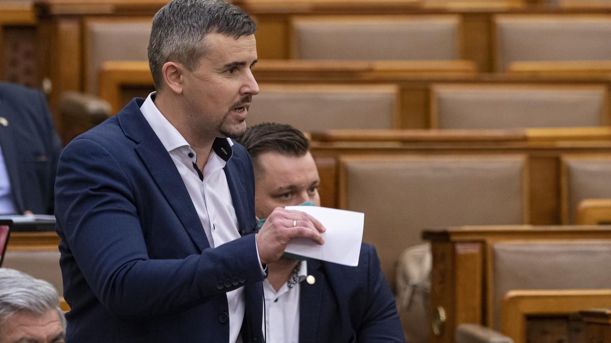 """Jakab Péter beleszállt Orbánba - """"Az a helyzet, drága luxus-miniszterelnök úr..."""""""