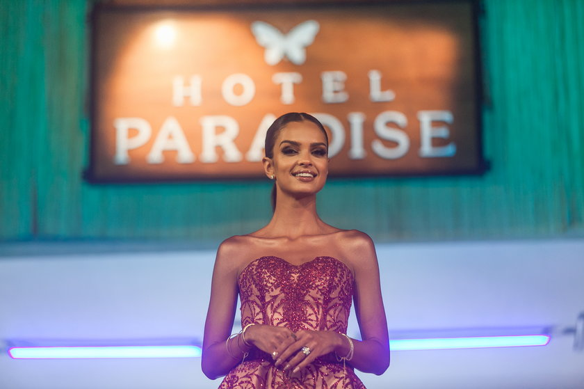 """""""Hotel Paradise"""""""