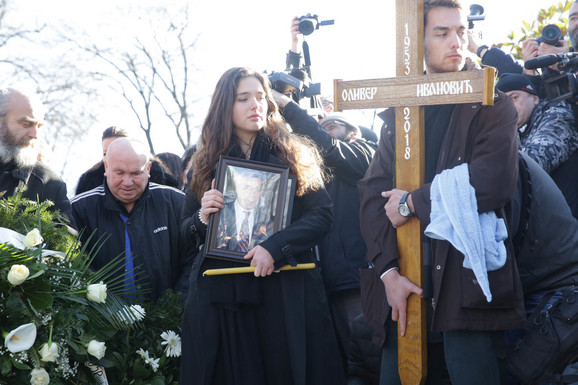 Oliver Ivanović sahranjen je danas na Novom groblju u Aelji zaslužnih građana