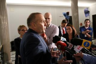 PO: Rządy PiS zagrażają wolności sumienia. Dworczyk: Platforma okłamuje Polaków