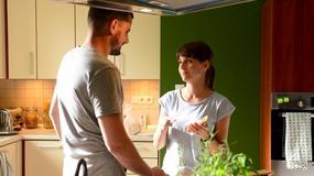 """""""Komisarz Alex"""": co się zdarzy w dzisiejszym odcinku? Puchała odkryje romans Ewy i Orlicza!"""