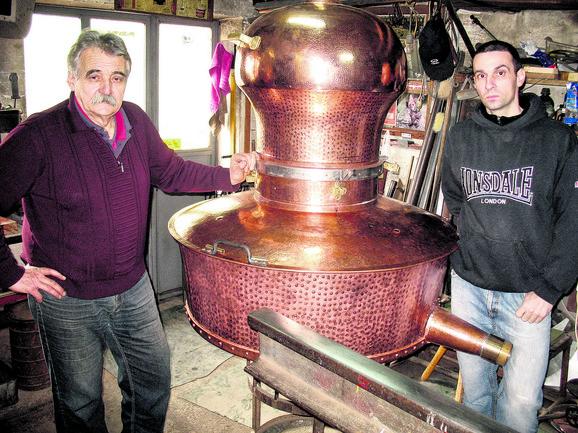 Otac i sin Poparić, Foto: Dragan Pejić