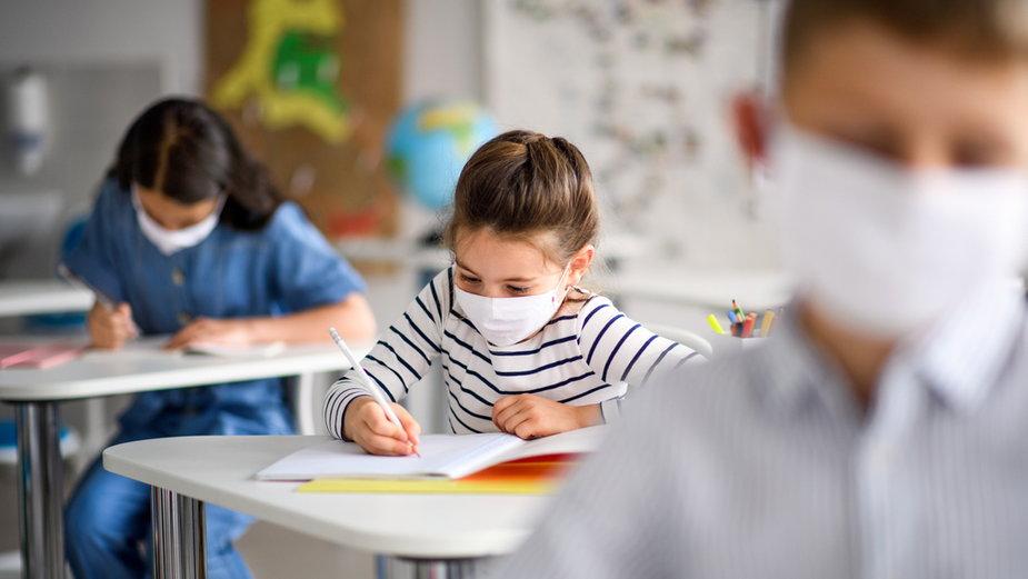 W stołecznych szkołach i przedszkolach stwierdzono już ponad 100 zarażeń koronawirusem