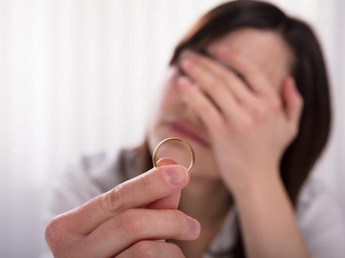 """""""Ja sam razvedena žena i majka u najboljoj vezi u životu. I nasmrt sam preplašena"""": Rekla mi je prijateljica i nastavila"""