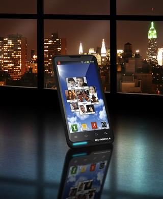 Motoluxe - stylowy smartfon Motoroli jest już w Polsce