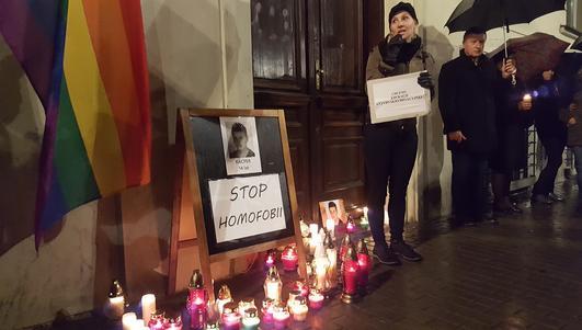 Zapalili znicze dla Kacpra i protestowali przeciwko homofobii