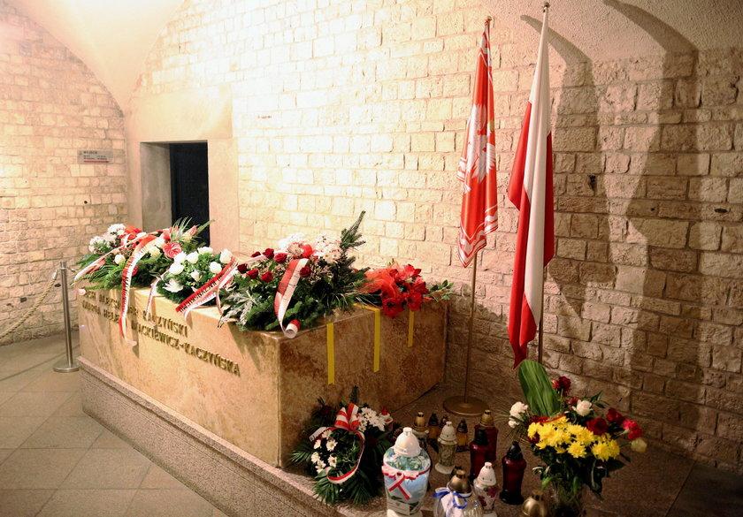 Twórca pierwszego sarkofagu Kaczyńskich: to amatorzy go zniszczyli