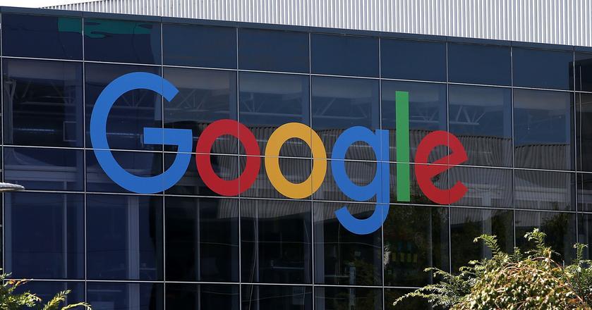 """Sundar Pichai, dyrektor generalny Google'a, twierdzi, że autor manifestu poszedł za daleko """"propagując szkodliwe stereotypy dotyczące płci w miejscu pracy"""""""