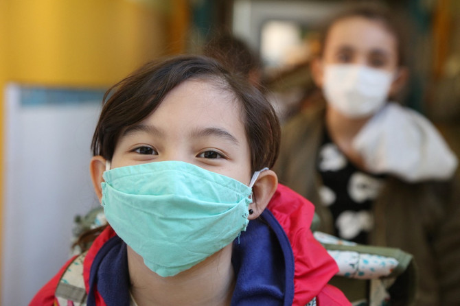 Ako se vrate u školske klupe, deca će  morati da nose maske
