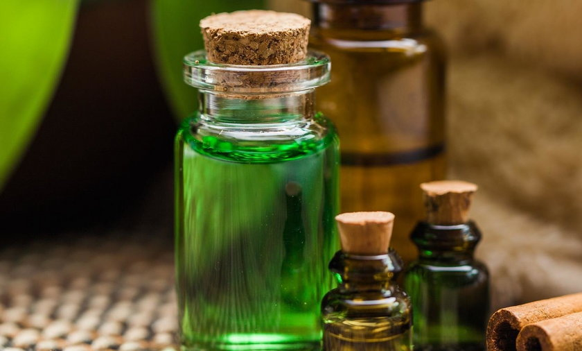 Olejek z drzewa herbacianego ma wiele cennych właściwości