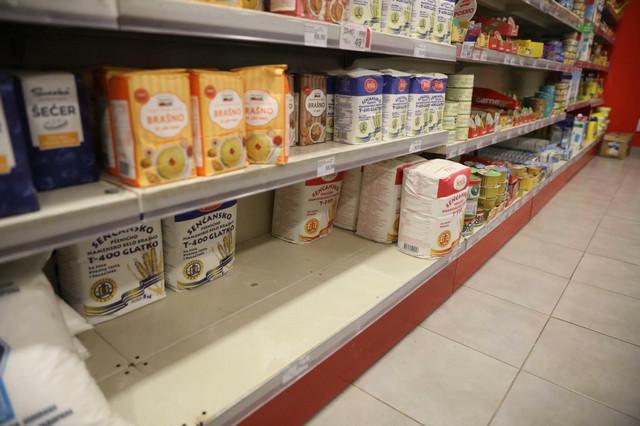 Meštani najviše kupuju brašno