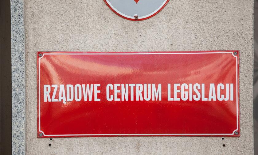 """""""Dobra zmiana"""" w Rządowym Centrum Legislacji"""