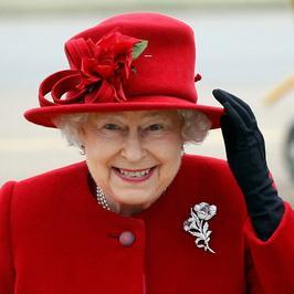 Szafirowy jubileusz królowej Elżbiety. Minęło 65 lat od koronacji. Zobacz jak zmieniała się królowa