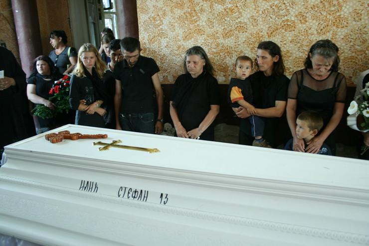 628596_sahrana-stefana-ilica-1