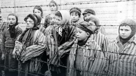 Deca Aušvica:Prizor koji su snimili sovjetski vojnici prilikom oslobađanja logora