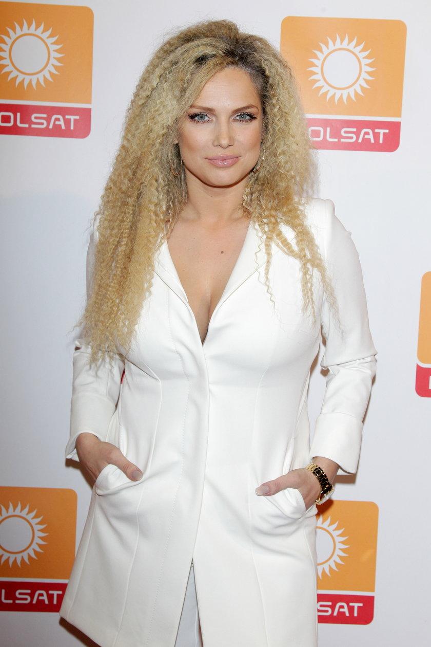 Joanna Liszowska w bieli
