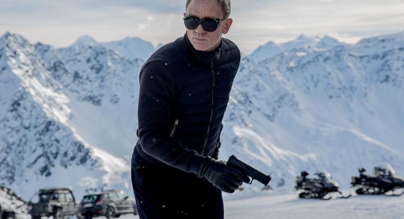 Daniel Craig in 007.