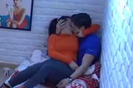 KONAČNO PRESTALI DA SE KRIJU Ana i David se strasno ljubili pred kamerama (VIDEO)