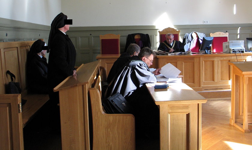 Ofiara sióstr boromeuszek z Zabrza domaga się odszkodowania i renty