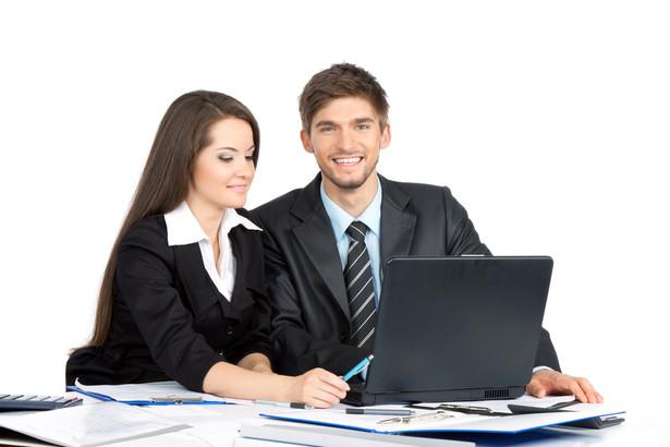 Istnieją dwie możliwości aktywności radcy prawnego czy kancelarii na Facebooku