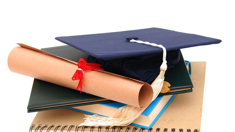 UOKiK ukarał KUL za niedozwolone klauule w umowach ze studentami oraz opłaty za studia doktoranckie