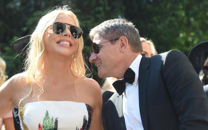 Snežana i Dragan Stojković na venčanju ćerke Anje Valente 2018. u Beogradu, njihova mlađa ćerka udala se za francuskog automobilistu Huga Valentea
