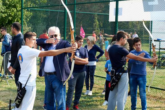 Božidar Maljković sa mladim sportistima